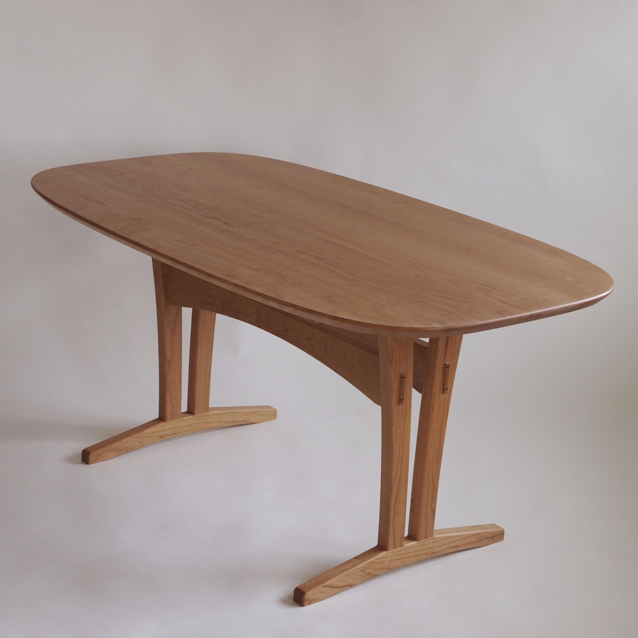 Trestle Oval Table